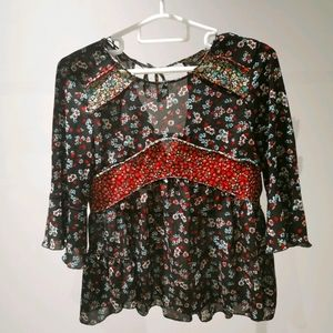 Zara floral top with flare long sleeve